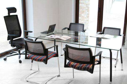 krzesla konferencyjne KYOS
